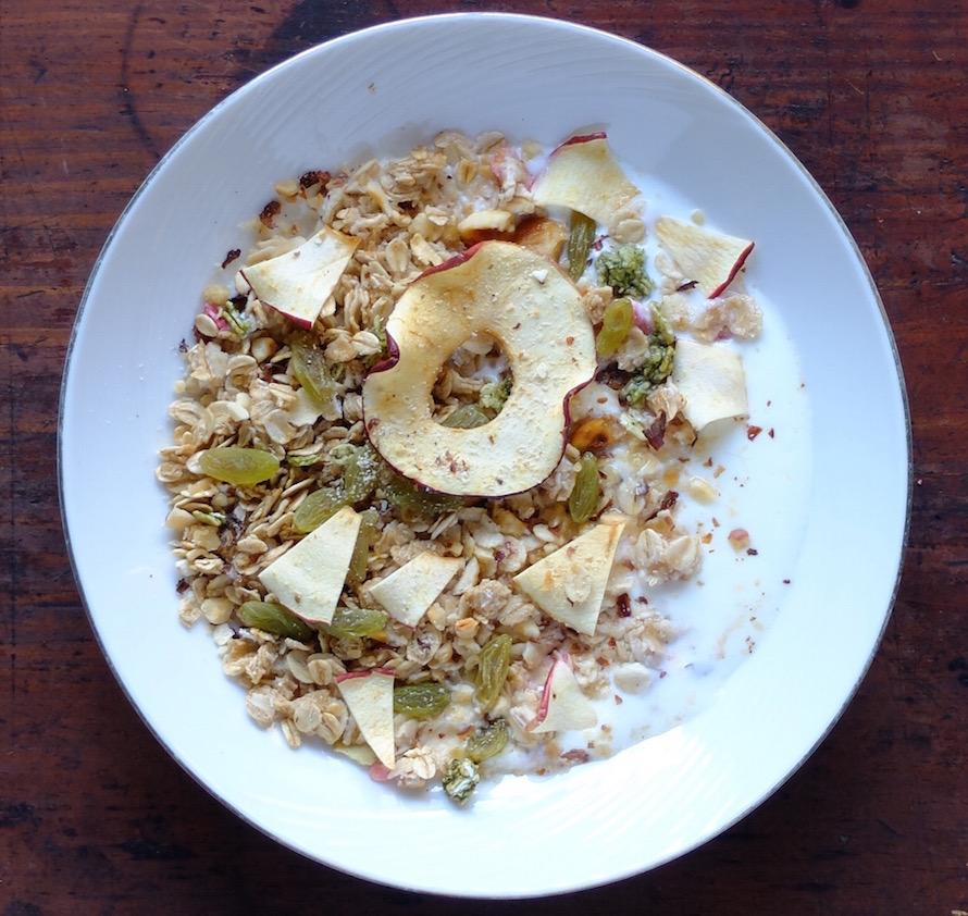 飛騨りんご ミューズリー りんご  栄養豊富 ダイエット 健康的ダイエット